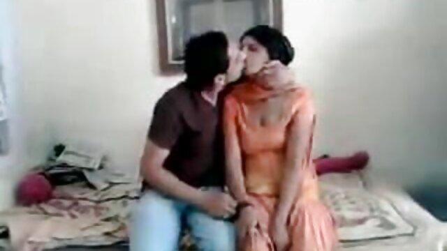 लैटिना एमआईएलए डिक बेकार है और गड़बड़ फुल सेक्स हिंदी मूवी हो जाता है