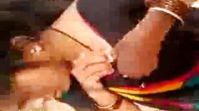 परिपक्व हिंदी सेक्सी फुल मूवी गड़बड़ - 5