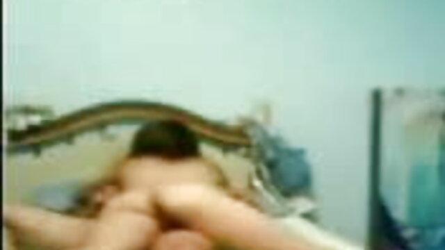 कुछ शुरुआती के सनी लियोन की सेक्सी वीडियो फुल मूवी साथ मंच के पीछे