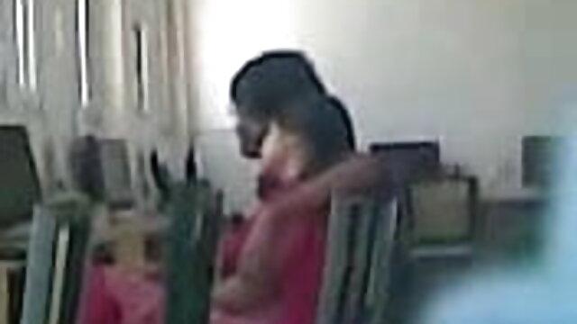 हॉट ब्लैक बेब स्ट्रैप्स पर सेक्सी मूवी वीडियो फुल बेकार है वाइट दोस्त