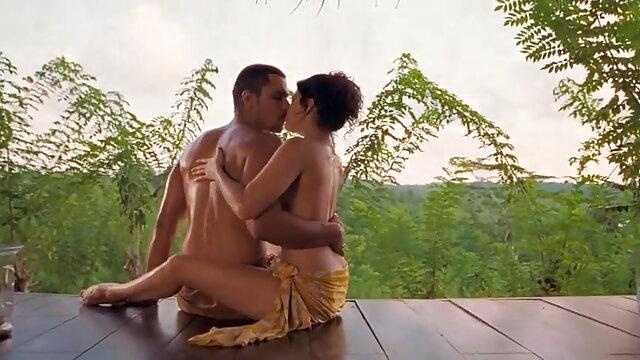 सिल्विया डी का बस्ट शुक्राणु सेक्सी मूवी पिक्चर फुल एचडी में शामिल होने पर एक को निहारना है