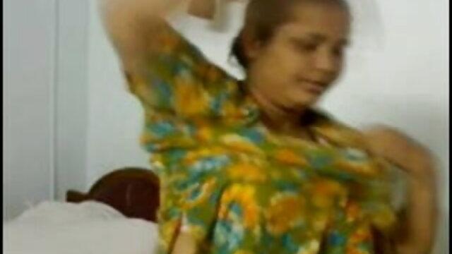 दबे हुए निपल्स के साथ बालों वाली चूत की लड़की उसकी जंजीरों पर खींचती ब्लू सेक्सी फुल मूवी है
