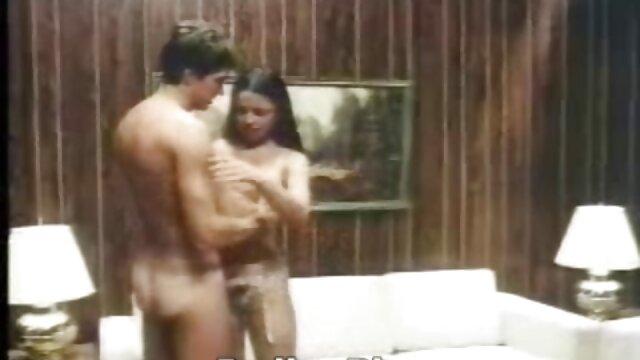 उभयलिंगी सेक्सी फिल्म फुल एचडी में त्रिगुट