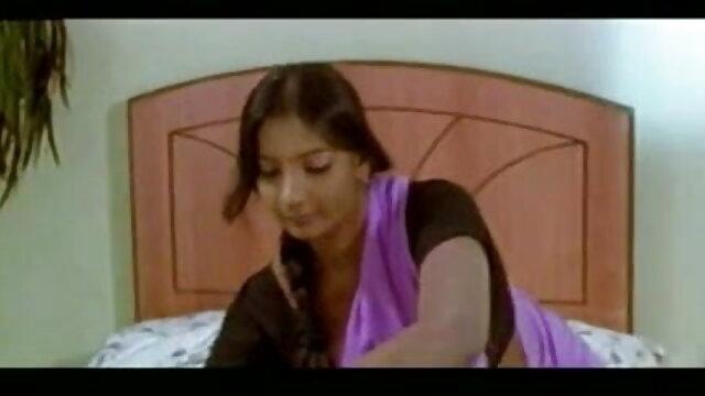 एक और लड़की डिल्डो मशीन को उड़ा देती है सेक्सी हिंदी वीडियो फुल मूवी