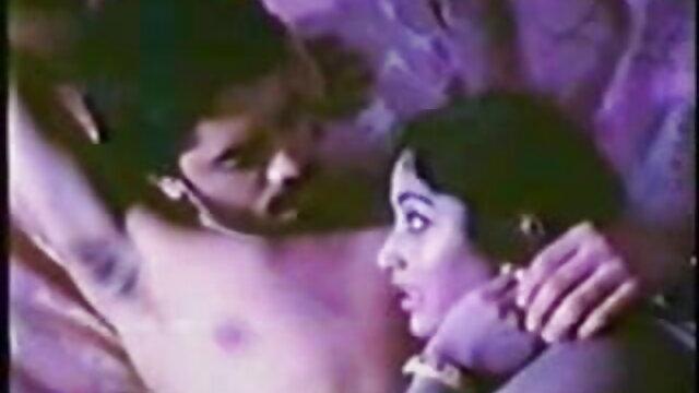 वृद्ध पुरुष और युवा महिला # 2 ब्लू फिल्म सेक्सी फुल मूवी - 1989